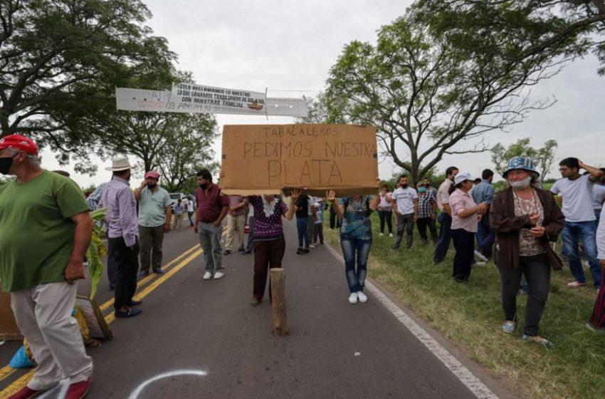 Tabacaleros vuelven a cortar la Ruta 12 en Goya